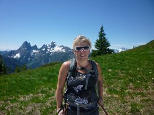 A happy wanderer, overlooking the North Cascades