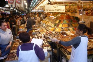 Enjoy the market in Barcelona but watch the crowds