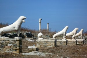 Did the sculptor expect these Delian lions to last for millennia?