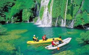 Canoeing in Croatia's National Plitvice Park - photo credit Huck Finn Adventure Tours