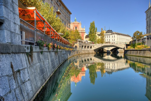 """Ljubljanica 01"" by Mihael Grmek - Own work. Licensed under Creative Commons Attribution-Share Alike 3.0 via Wikimedia Commons"