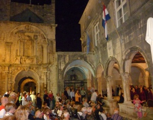 Impromptu a capella performance. Some say that Marco Polo was born in Korčula during its Venetian occupation